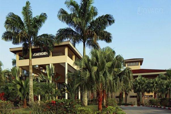 entrance to le meridian ibom resort Uyo