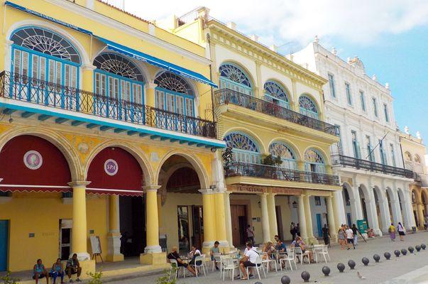 plazas of Habana vieja