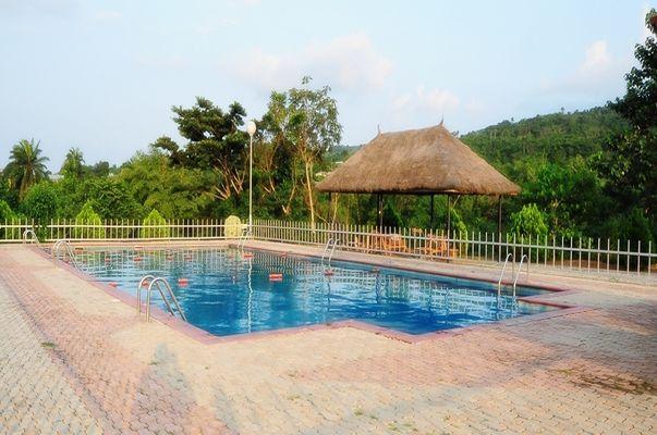 Zenababs Half Moon Resort Ilesha
